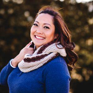 banded-arrow-crochet-infinity-scarf-pattern