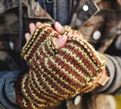 Knit Mittens & Gloves